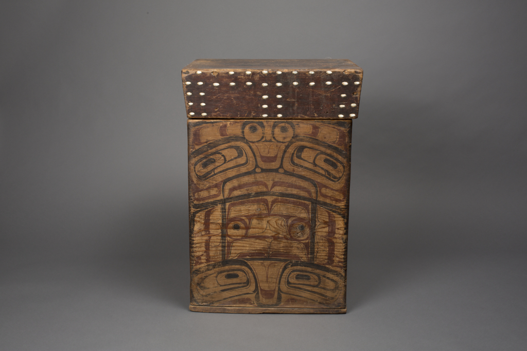 Tlingit%20artist%2C%20%3Cb%3E%3Ci%3E%20Bent-corner%20Box%3C%2Fi%3E%3C%2Fb%3E%2C%20ca.%201860%2C%20paint%20on%20red%20cedar%20with%20opercula%20shell%20inlay%2C%20Museum%20Purchase%3A%20Indian%20Collection%20Subscription%20Fund%2C%20Rasmussen%20Collection%20of%20Northwest%20Coast%20Indian%20Art%2C%20no%20known%20copyright%20restrictions%2C%2048.3.511A%2CB
